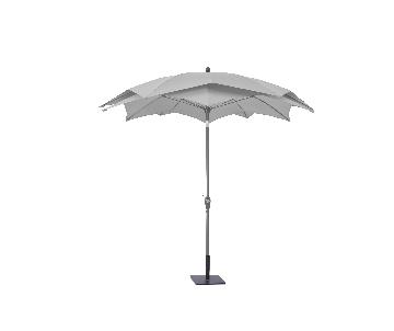 Parasol LOTUS rond gris clair